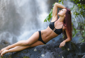 Roisin Neville, women, black bikinis, belly, hands on head, dyed hair, water, waterfall, women outdoors, hips, armpits, rocks, Marvin Chandra, pierced navel, tattoo, painted nails, depth of field
