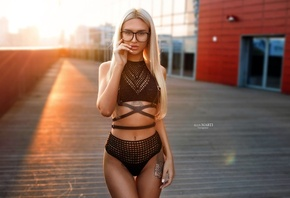 Aniuta Mi, women, blonde, straight hair, sunset, sunlight, women outdoors, tanned, glasses, women with glasses, the gap, portrait, belly, long hair, depth of field, tattoos, hips, black lingerie, alex marti, skinny