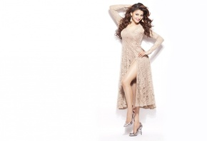 Urvashi Rautela, legs, face, girl, eyes, brunette, девушка, actress, smile, pretty, hair, figure, sexy, актриса, heels, celebrity, bollywood, pose, beauty, cute, индийский, model, indian, красавица, lips