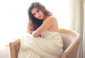 Kriti Kharbanda, girl, eyes, brunette, девушка, actress, smile, hair, sexy, актриса, celebrity, bollywood, pose, beauty, индийский, model, indian, красавица, lips, beautiful