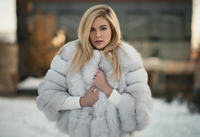 Ashley Booth, women, Sergey Fat, fur, blonde, fur coats, women outdoors, depth of field