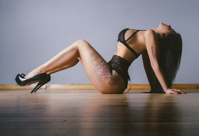 women, tanned, on the floor, wooden surface, tattoo, high heels, black ling ...