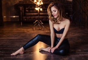 women, brunette, black bras, leather pants, on the floor, eyeshadow, closed ...