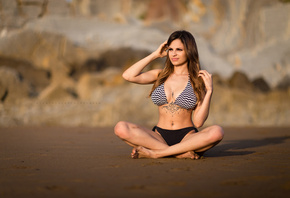 women, sitting, bikini, brunette, legs crossed, sand, looking away, belly,  ...
