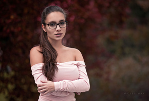 women, portrait, long hair, depth of field, women with glasses, arms crossed