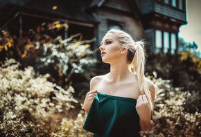 women, blonde, depth of field, portrait, looking away, women outdoors