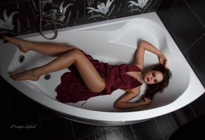 women, cleavage, tanned, red dress, tattoo, red lipstick, bathtub, top view, lying on back