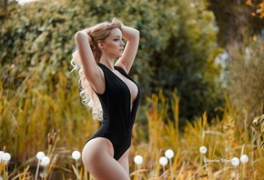 posing, sexy, nature, figure, blonde, in black, trees, grass, beauty, hairstyle, makeup, Sophia, bokeh, body, Guenter Stoehr