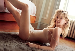 Will Davidson, photoshoot, chest, body, Haley Bennett, legs, actress, blonde, sexy, lies, pose, model