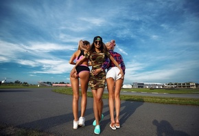 women, blonde, dress, sportwear, jean shorts, group of women, sneakers, tanned, baseball caps, sandals, sunglasses, hands on ass, black nails, plaid shirt, pink hair, dyed hair, sky, women outdoors, camouflage