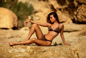 women, Zachar Rise, tanned, bikini, belly, ribs, sitting, necklace, pink na ...