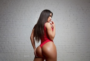women, Pavel Garasko, tanned, wall, bricks, monokinis, ass, portrait, long hair, Chicago Bulls, finger on lips, hands on ass