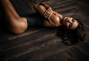 women, tanned, ass, arms crossed, painted nails, on the floor, wooden surface