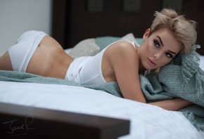 rosie robinson, linen, booty, ass, view