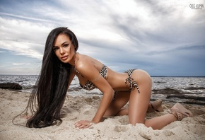 girl, model, Anastasia Alexandrovna, brunette, body, figure, pose, look, sea, sand, Oleg Klimin