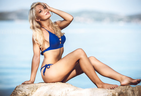 women, blue bikinis, blonde, sitting, sea, smiling, belly, pierced navel