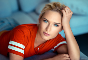 women, blonde, Lods Franck, T-shirt, blue eyes, portrait