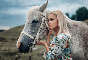women, blonde, blue eyes, profile, women outdoors, horse, animals