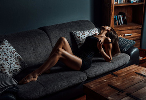 women, couch, tanned, tight dress, tattoo, dress, books, wall