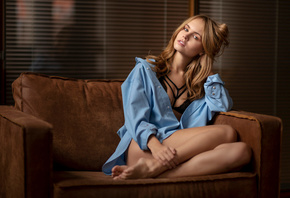 women, Anastasia Scheglova, sitting, blonde, brunette, black bras, blue shirt