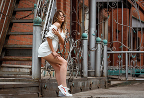 women, white clothing, stairs, sneakers, brunette, bricks, women outdoors, women with glasses