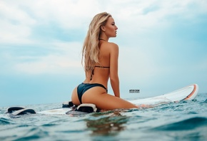 women, blonde, brunette, ass, surfboards, bikini, Artur Crow, sky, clouds, wet body, sitting, sea, women outdoors