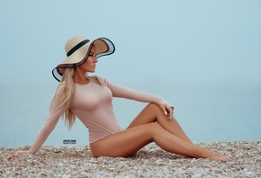 women, blonde, sitting, hat, women outdoors, looking away, brunette, Artur Crow, bodysuit