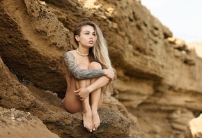 women, sitting, bikini, brunette, long hair, rocks, women outdoors, looking away, blonde