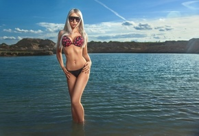 women, river, blonde, bikini, ribs, sunglasses, sky, clouds, long hair, pink lipstick, women outdoors, painted nails, hips, brunette
