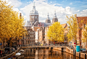 Basilica of Saint Nicholas, Amsterdam, autumn, cityscape, river, yellow trees, Amsterdam landmark, Netherlands