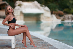 women, ass, blonde, sitting, swimming pool, black bikini, hoop earrings, closed eyes, brunette, pink lipstick, women outdoors