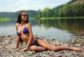 women, sunglasses, blue bikini, belly, river, women outdoors, ribs, skinny, stones, long hair, sitting, painted nails