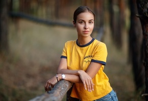 women, yellow t-shirt, jeans, portrait, forest, watch, brunette, women outdoors, trees