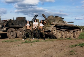 women, Svetlana Semanina, brunette, women outdoors, camouflage, tank, sky, clouds, sneakers, gun, tank top, underboob, belly, hips, shoes, crop top, tattoo, gloves, group of women, pierced navel