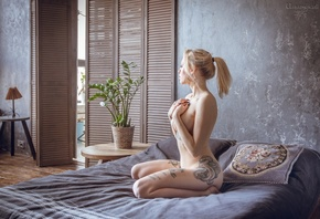 women, nude, kneeling, blonde, ponytail, lamp, plants, black nails, coverin ...