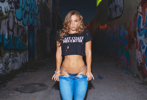 Nicole Mejia, beautiful, girl, ass, panties, thong, model, hot, street, jeans, graffiti, brunette, night
