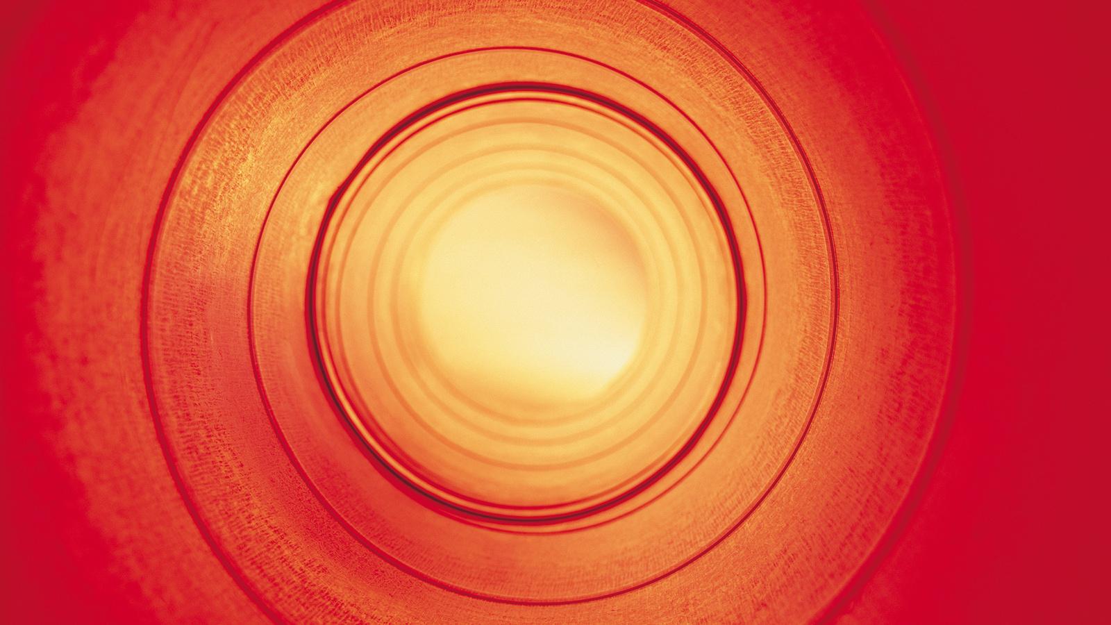 красный свет, труба, туннель