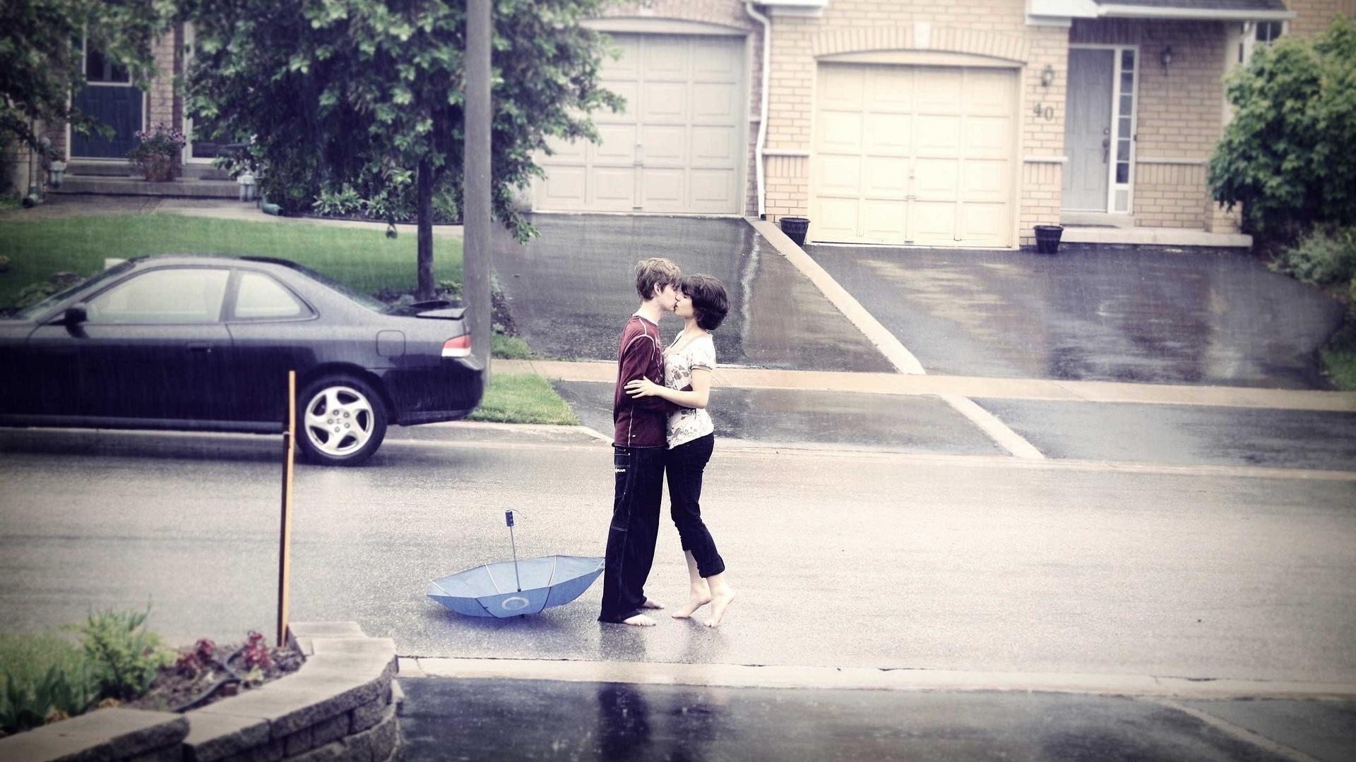 улица, дождь, поцелуй, радость встречи