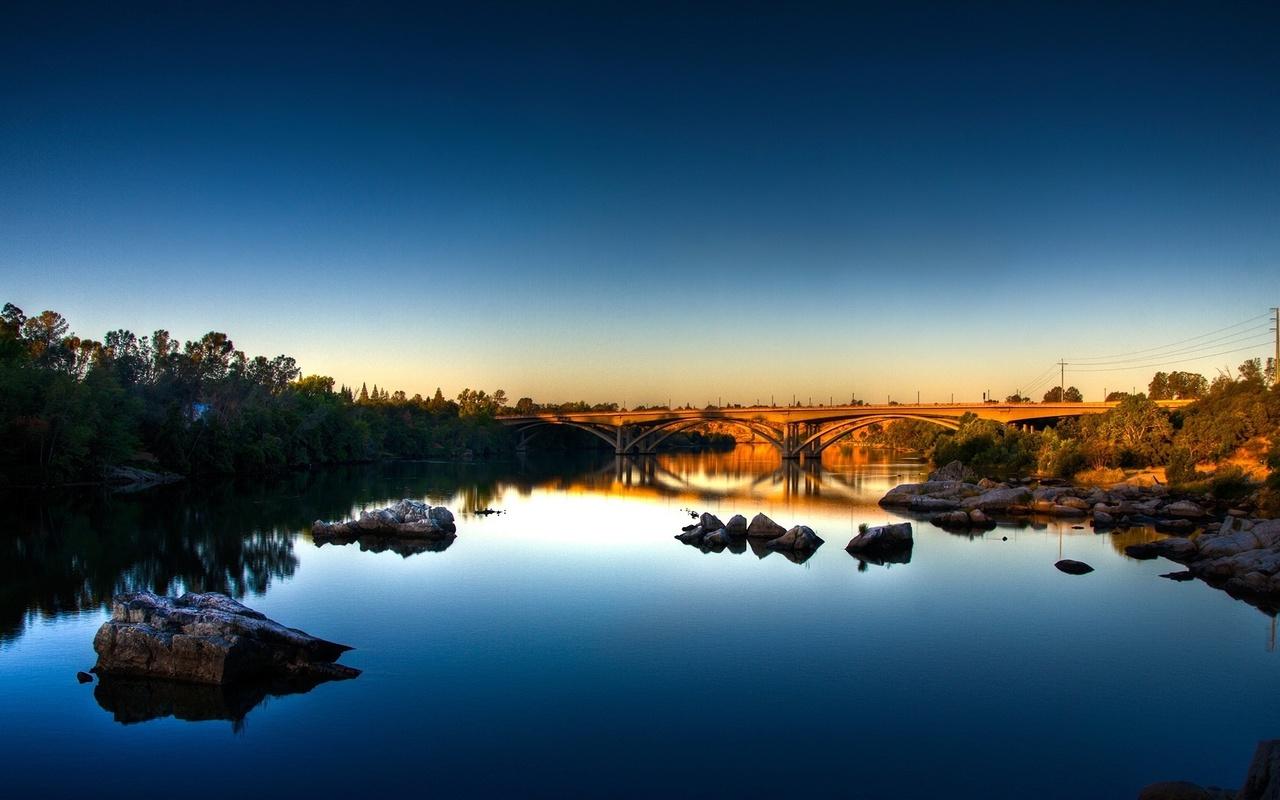 закат, мост через реку, камни, небо,