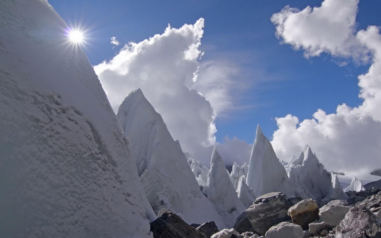 сколы льда, каменные глыбы, снег, зима, снег, горы, голубой, синий, лес, деревья, природа, берег, атмосфера, ель, елка, зима, снег, горы, голубой, синий, лес, деревья, природа, берег, атмосфера, ель, елка, зима, снег, горы, голубой, синий, лес, деревья, п