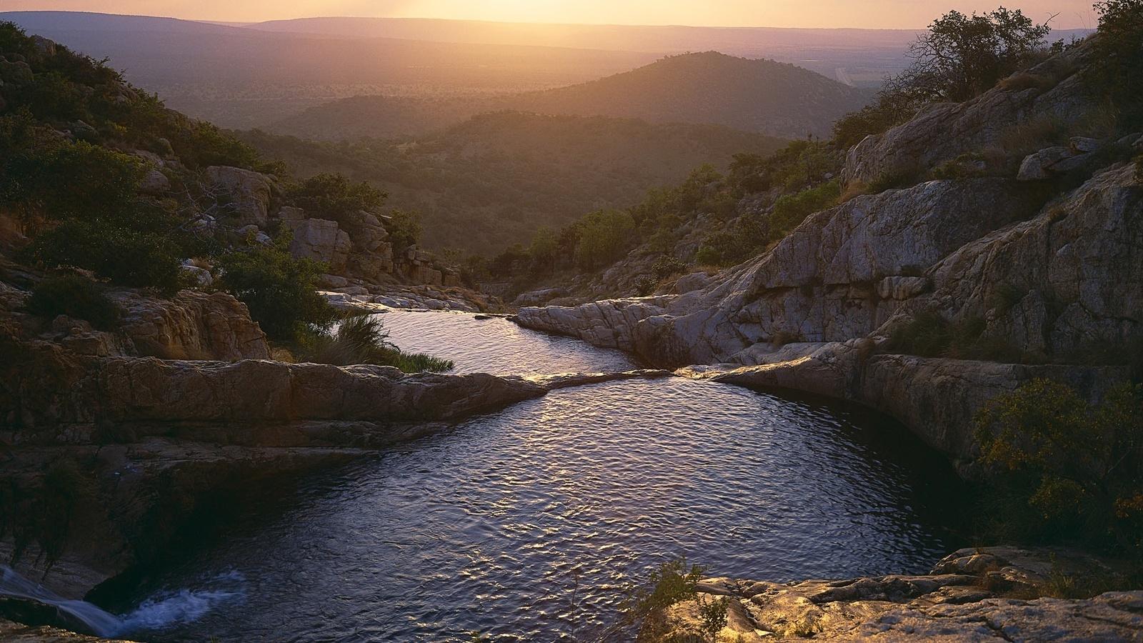 горная река, закат, ветерок
