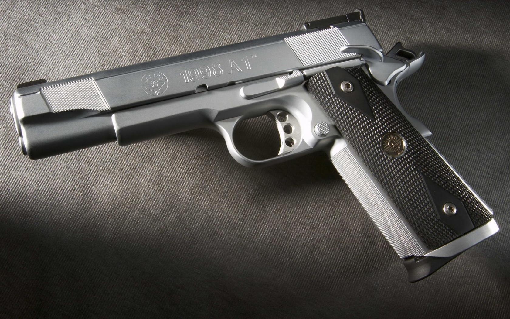 пистолет, серебро, мягкий курок