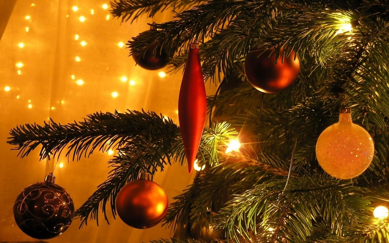 Красивые новогодние картинки с елками