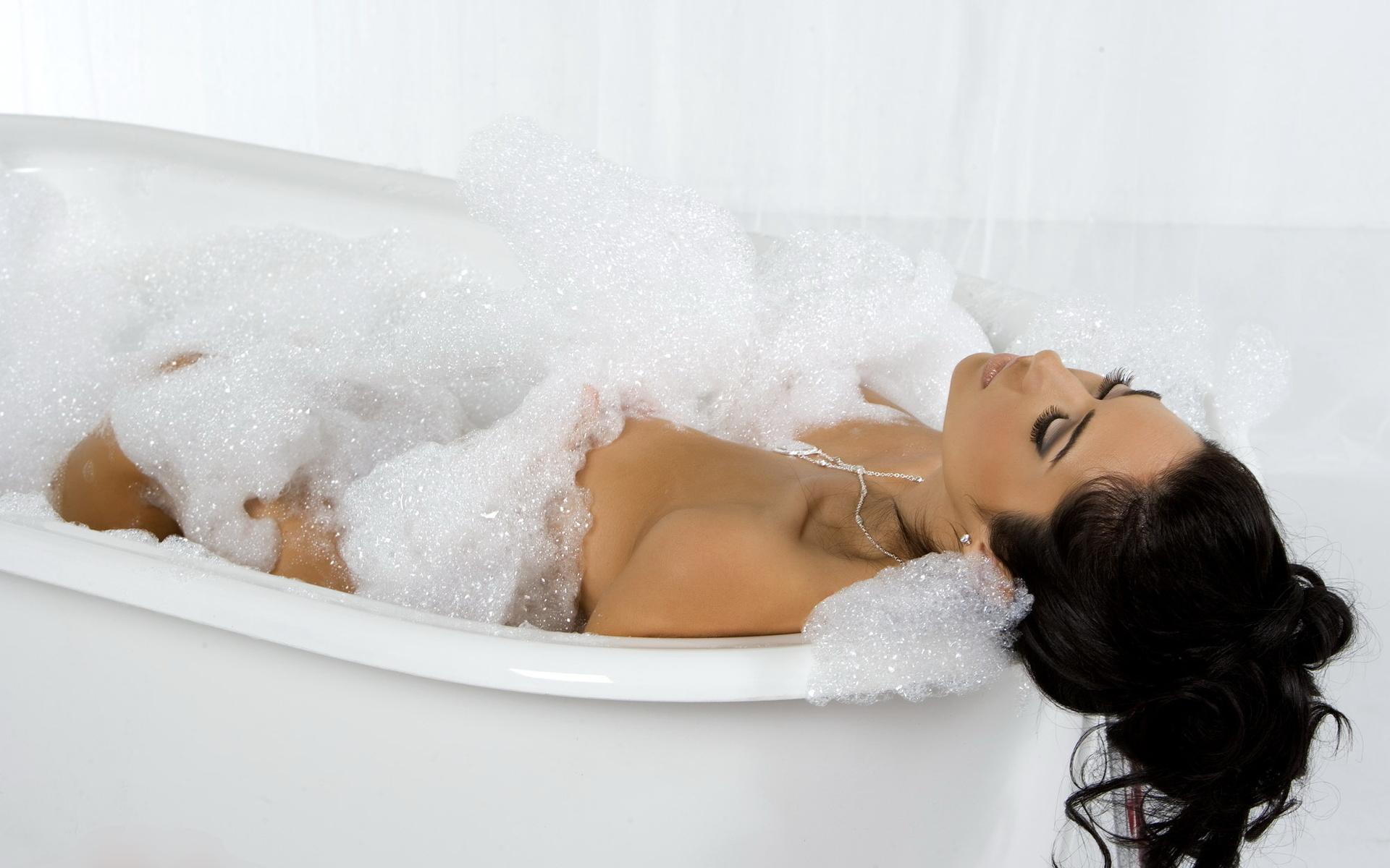 фото я в ванной спортивное телосложение культ