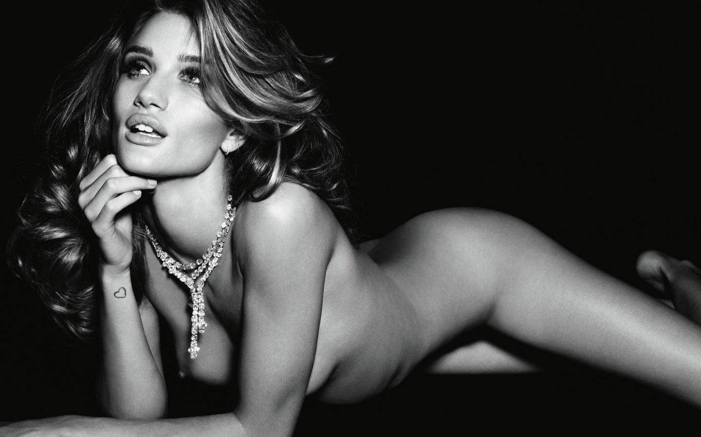 которая была эротические фото знаменитых моделей застеснялась