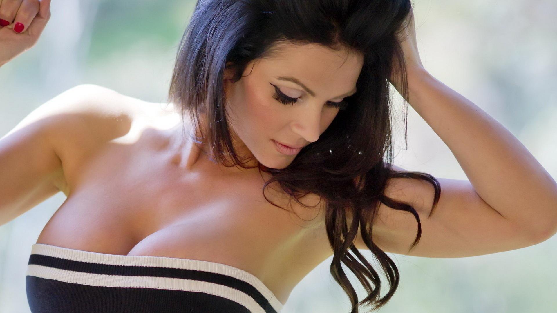 Телки с большие сиски смотреть онлайн, Порно с большими сиськами онлайн бесплатно 19 фотография