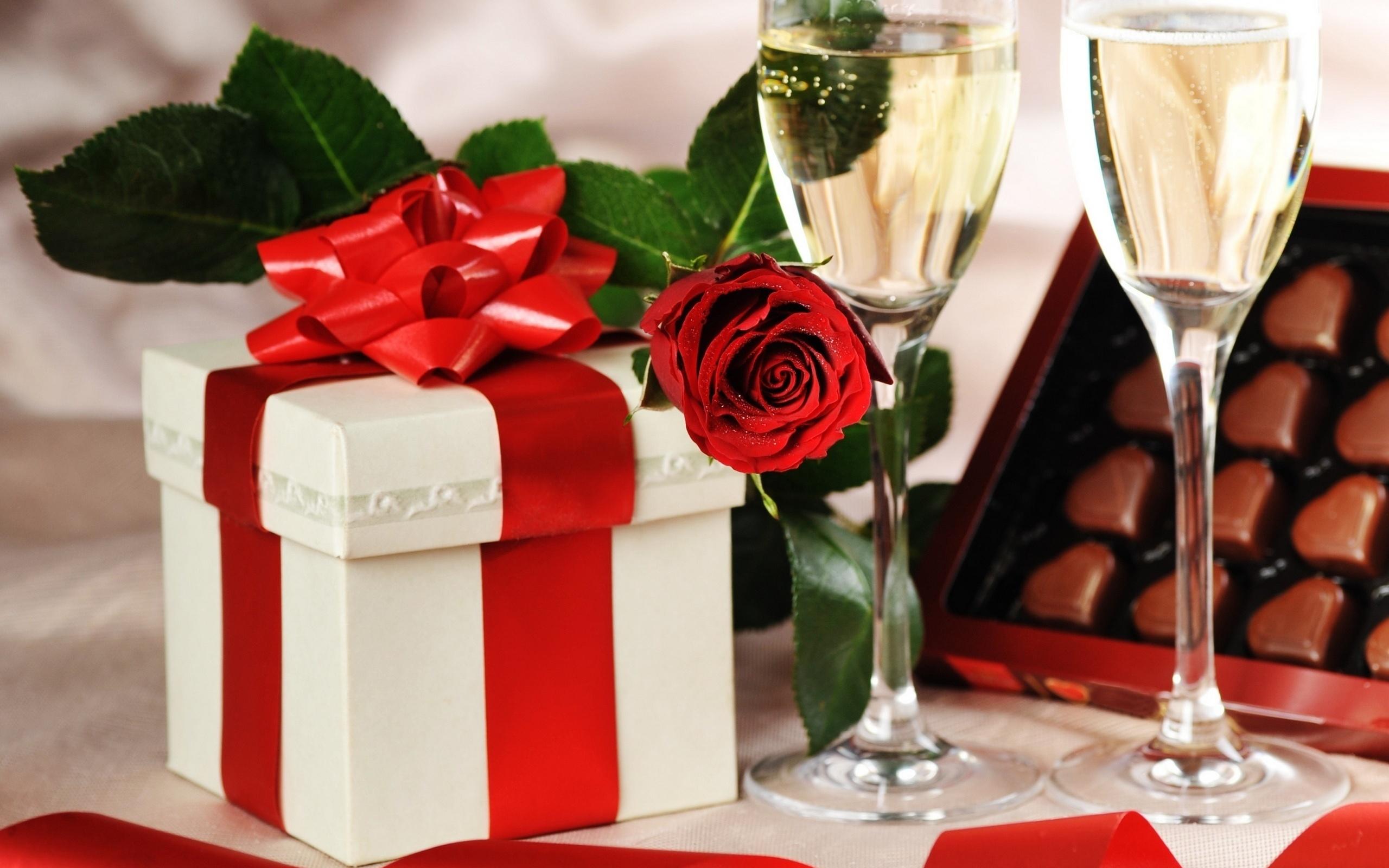 Поздравления и подарки картинки