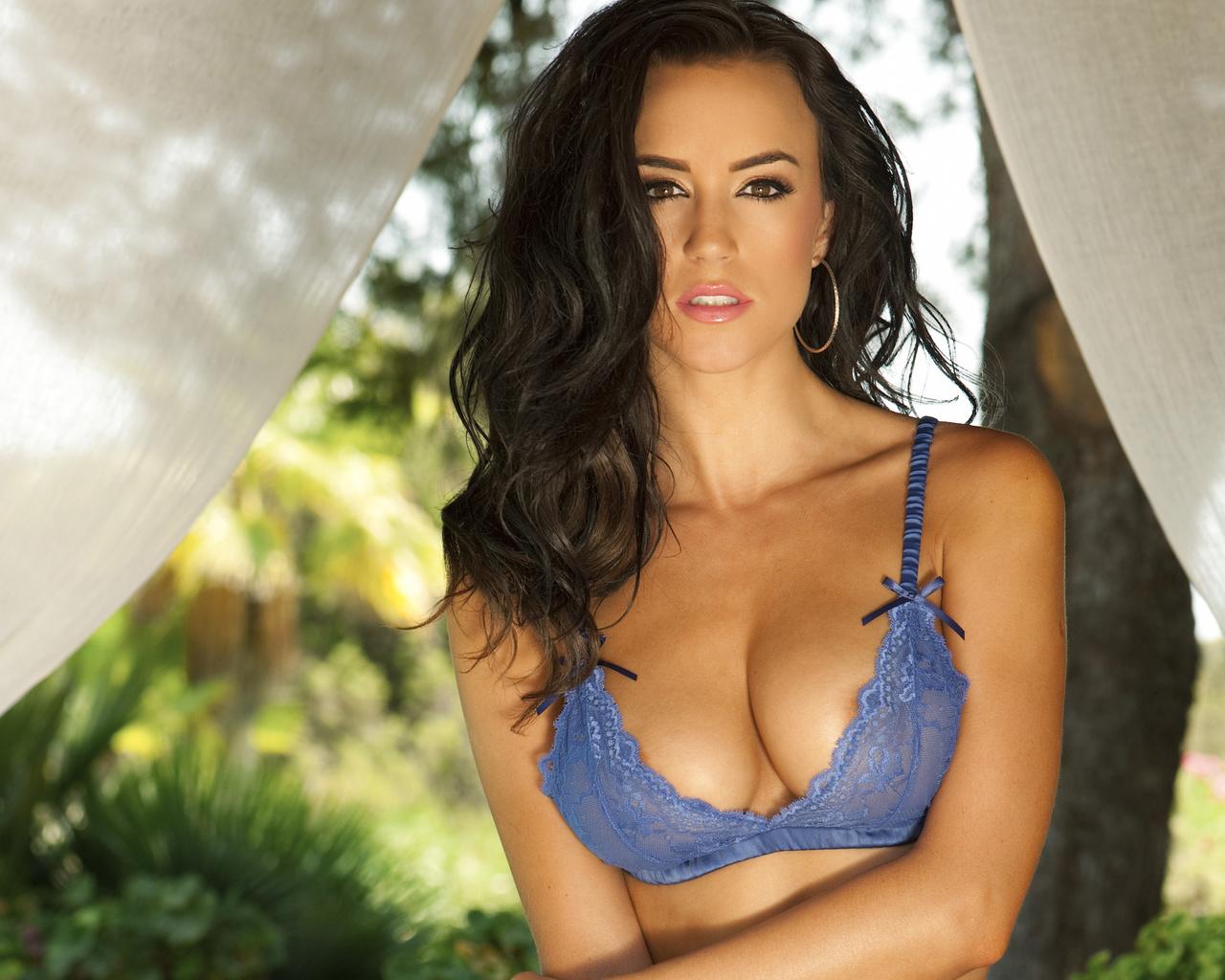 Смотреть груди девушек, Женская красивая грудь (сиськи), смотреть онлайн 22 фотография