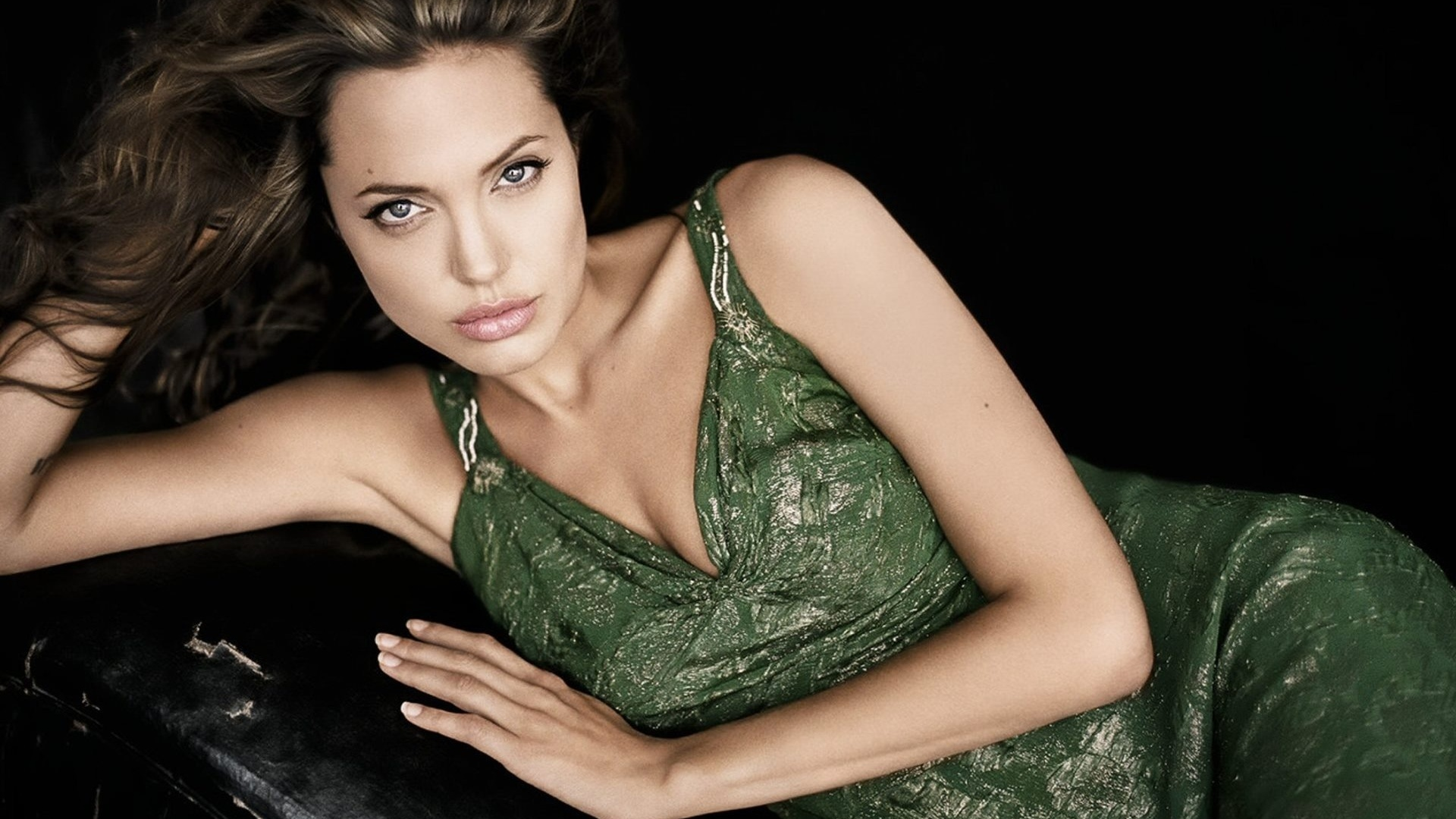 Hot angelina jolie, top young adult fiction