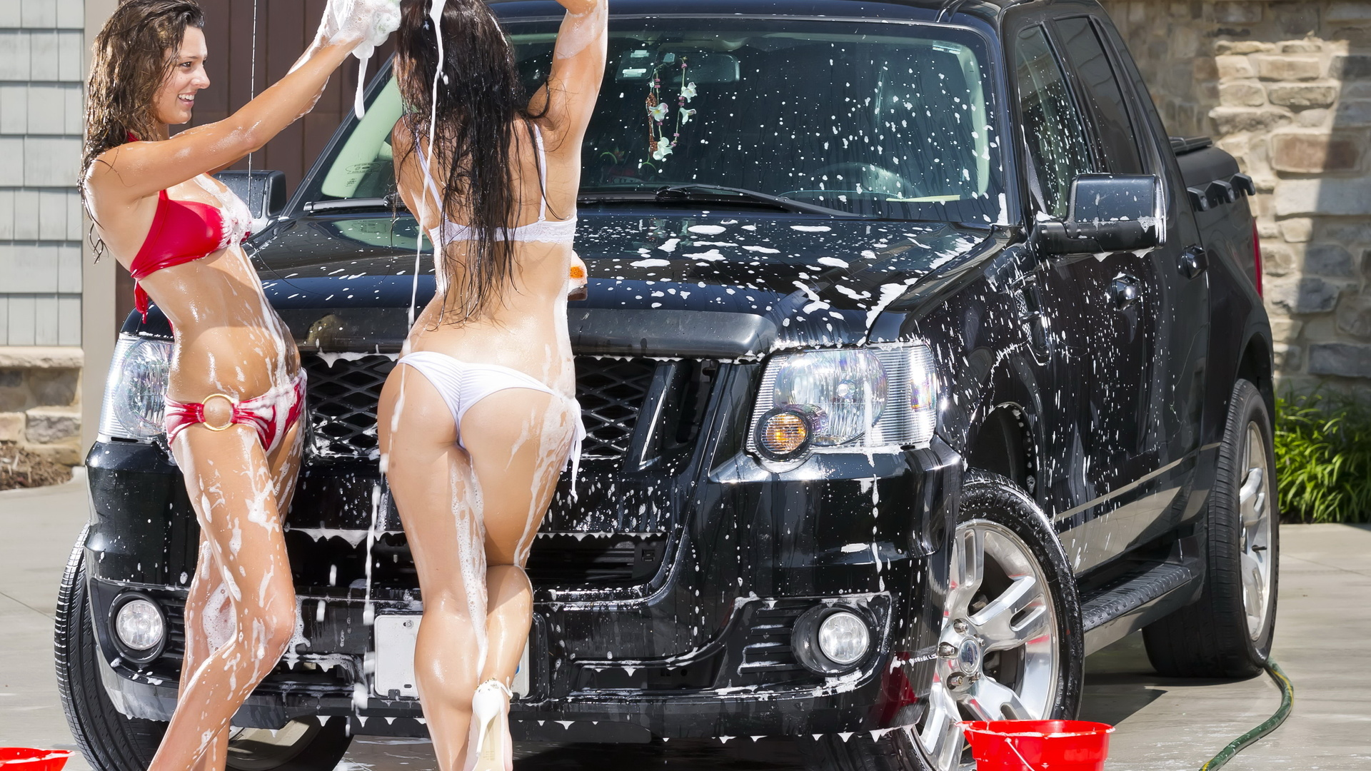 Hot girls wash cars, university of miami nude pictures